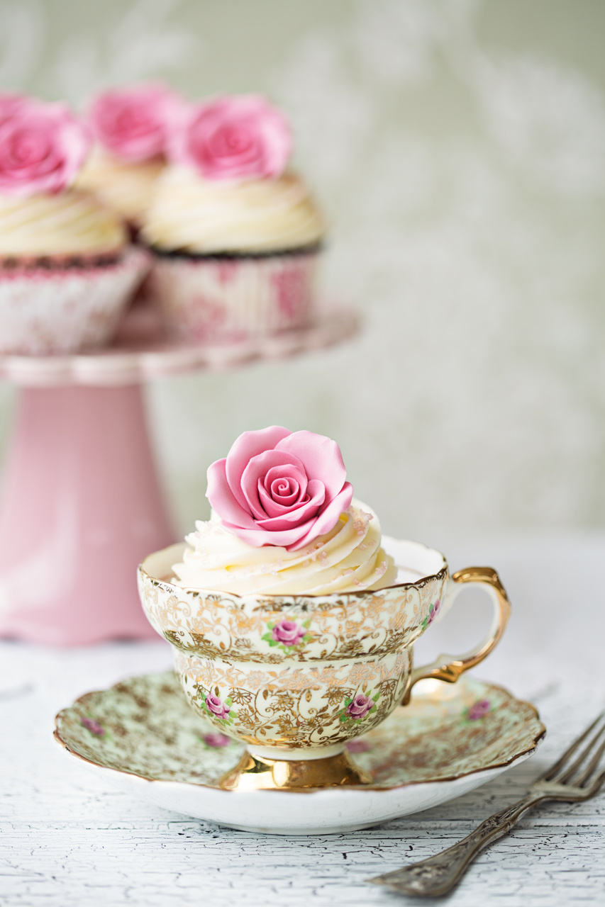 Plan a Splendid Alice in Wonderland Tea Party